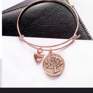 🌳🌳Gorgeous Rose Gold Tree bracelet 🌳🌳